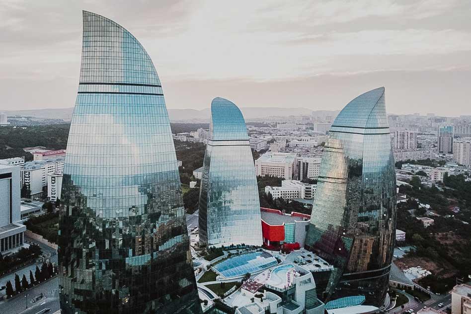 Aserbaidschan: Wild und glamourös